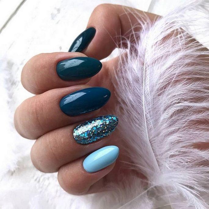 tyrkysové / modré gelové nehty