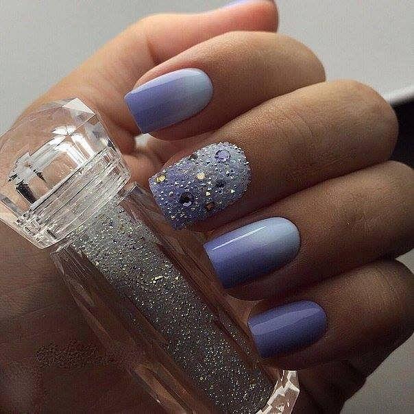 ombré gelové nehty fialové